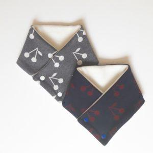 écharpe cerise bleu/ bordeau ou gris/blanc