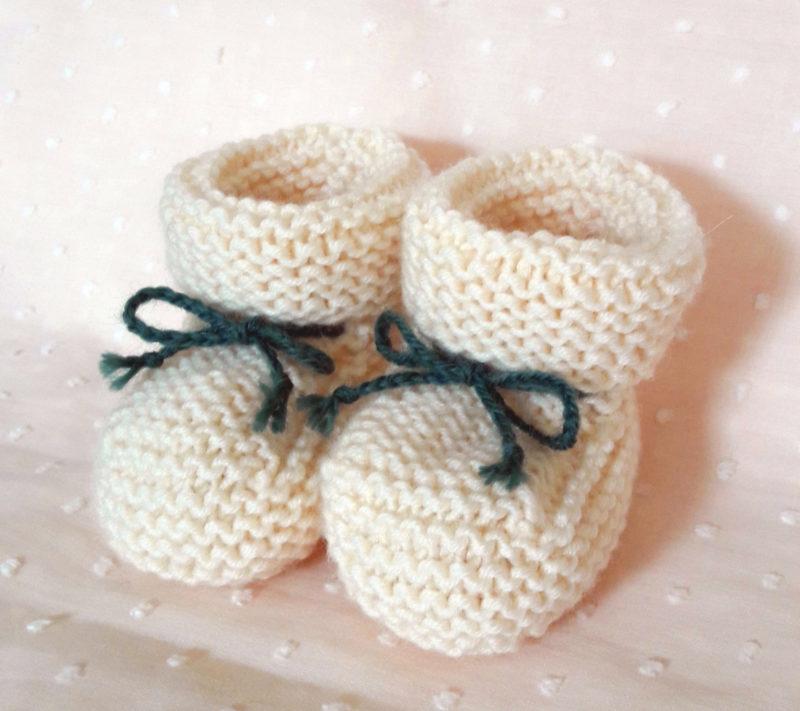chaussons tricot écru lacets kaki